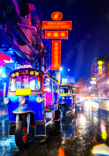 Fotobehang Bangkok Tuk Tuk taxi in china town bangkok at the night