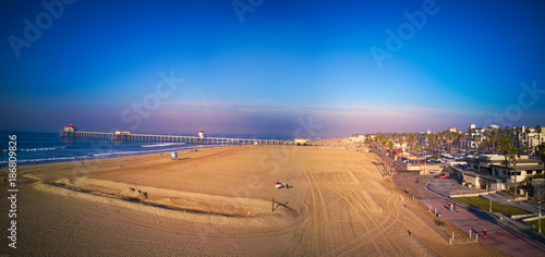 Keuken foto achterwand Zee zonsondergang Huntington Beach at Sunrise