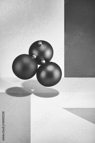 Abstract black and white still-life with balls - 186812248