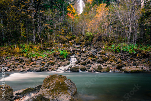 Foto Murales At the beautiful Sounkyo Gorge, Oobako, Hokkaido, Japan