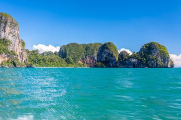 plage et grottes de Phra Nang, Krabi, Thaïlande