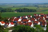 Neubausiedlung in Wallerstein, Bayern, Deutschland - 186841245