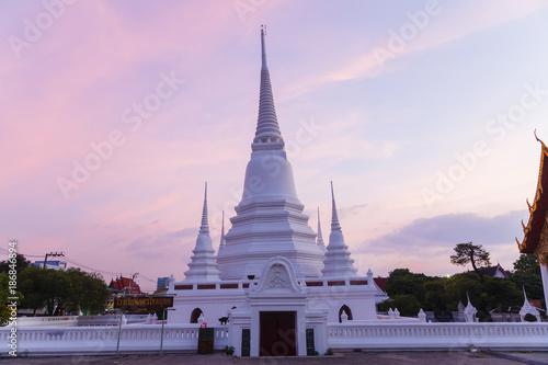 Foto op Plexiglas Bangkok Stupa at Wat Khemapirataram Rachaworawihan, Ayutthaya period, Nontaburi province, Thailand