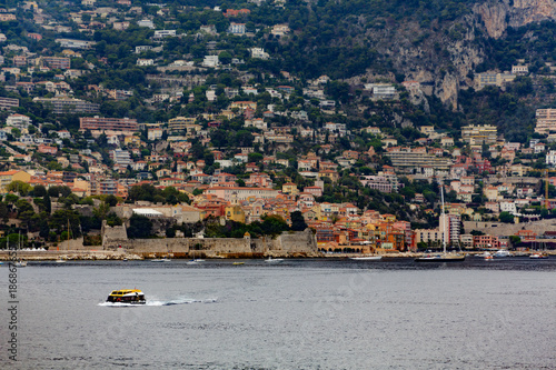 Tuinposter Nice Lifeboat Past Villefranche