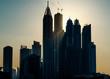 Contraluz :Rascacielos y edificios en construcción en Dubai, Emiratos Árabes Unidos