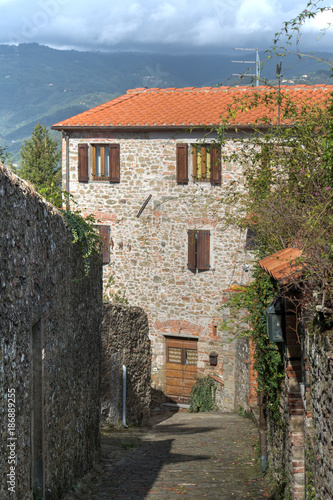Deurstickers Toscane rustic house in Tuscany