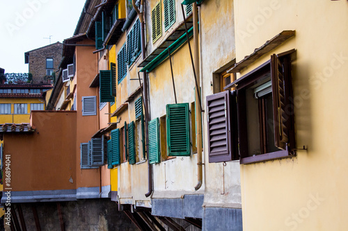 Fotobehang Florence FIRENZE, ITALIA - LUGLIO 25, 2017: Ponte Vecchio - Toscana