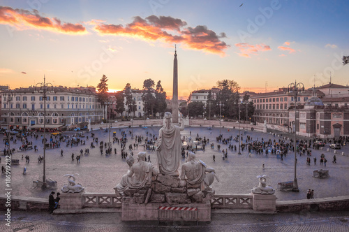 Foto op Plexiglas Rome Rome (Italy) - The historic center of Rome. Here in particular the Piazza del Popolo square at sunset, from Terrazza del Pincio