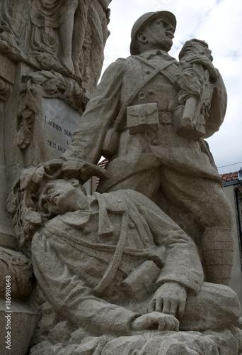 Monument aus Morts de Lacroix-sur-Meuse, Meuse, France