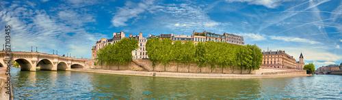 Poster Panoramic image of Ile de la Cite in Spring