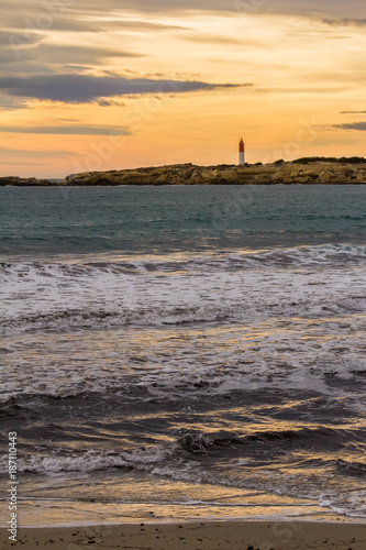 Foto op Canvas Zee zonsondergang lighthouse at Cape Couronne, on the Mediterranean coast west of Marseille