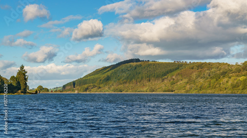 Foto op Aluminium Blauw The Talybont Reservoir with Tor y Foel in the background, Powys, Wales, UK