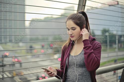 In de dag Jogging Listening to music