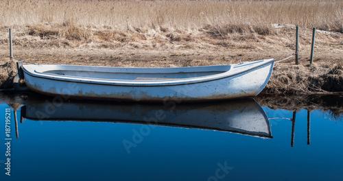 Row boat - 187195211