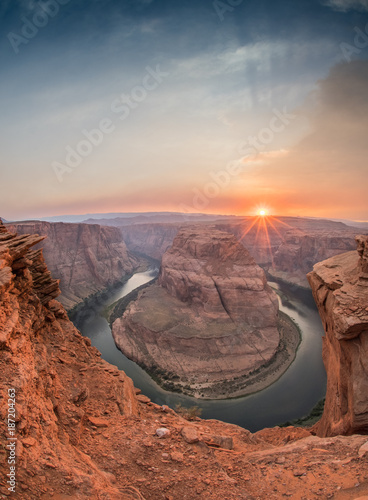 Poster Arizona Sun Sets Behind the Ridge of Horseshoe Bend