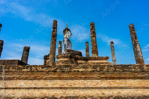 Foto Murales Ancient Buddha Statue  world heritage site Sukhothai historical park