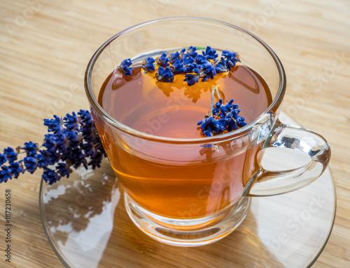 selbstgemachter Lavendeltee zum Entspannen - 187230658