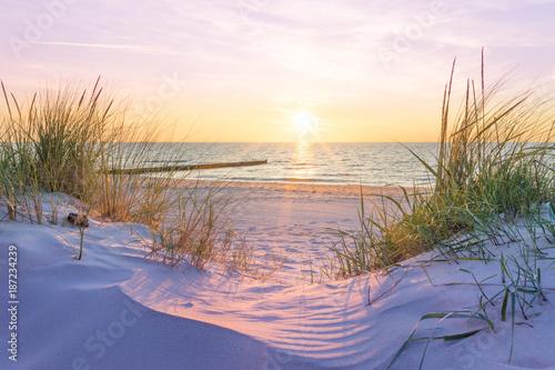 Leinwanddruck Bild Sonnenuntergang an der Ostsee