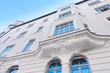 Leinwanddruck Bild - renovierte Stuckfassade - Eigentumswohnung