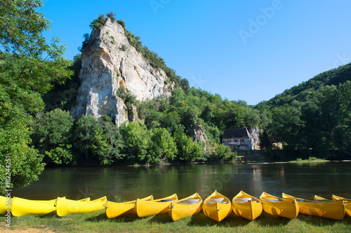 Foto Murales River the Dordogne with canoes for rent