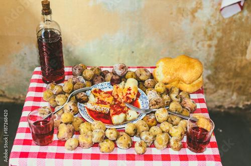 Deurstickers Canarische Eilanden A traditional Canarian meal
