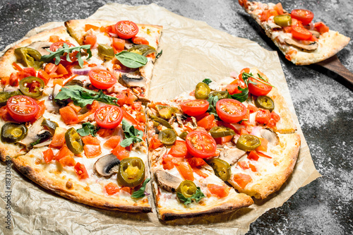 pizza-mexicana-con-pimientos-picantes