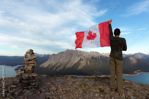 Foto op Plexiglas Canada Man holding Canada flag