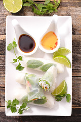 fresh spring roll and sauce