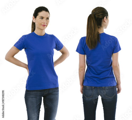 Brunette woman wearing blank blue shirt - 187348298