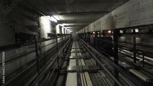 In de dag Tunnel OLYMPUS DIGITAL CAMERA