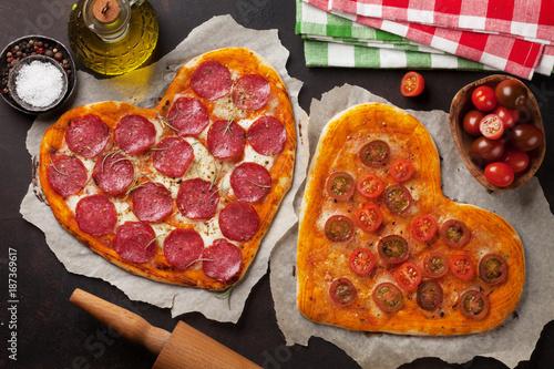 Heart shaped pizza - 187369617