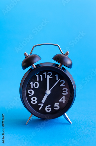 Fotobehang Pop Art Alarm clock with seven o'clock
