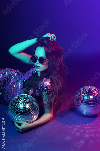 Sexy disco party woman. - 187421297