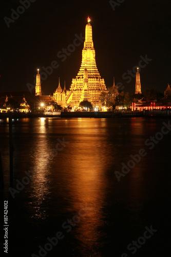 Foto op Plexiglas Bangkok Wat Arun historical park and Chawpraya river, Bangkok Thailand