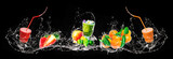 Frischer Mix aus Smoothies und Früchten, Wasserspritzer, Banner