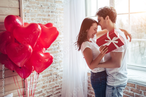 Leinwandbild Motiv Couple in bedroom