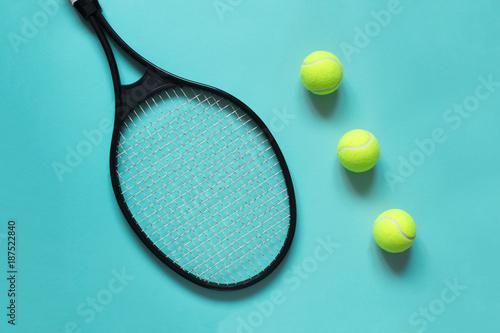 Aluminium Tennis Tennis balls and racket on blue background. Sport equipment. Flat lay.