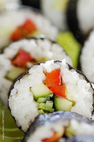 Foto op Canvas Sushi bar smaczne kawałki sushi