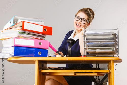Foto Murales Happy business woman in office