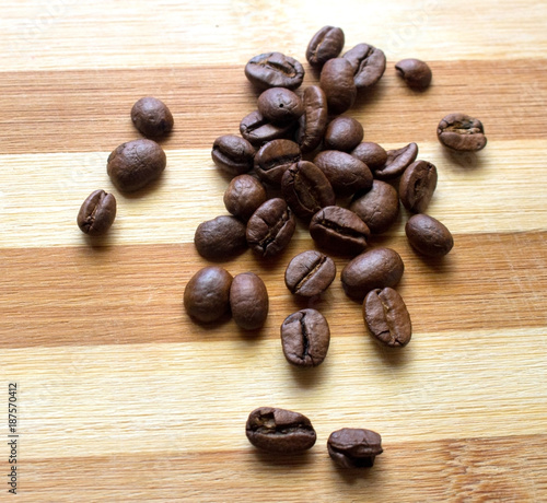 Deurstickers Koffiebonen Coffee, coffee beans, scattered coffee beans