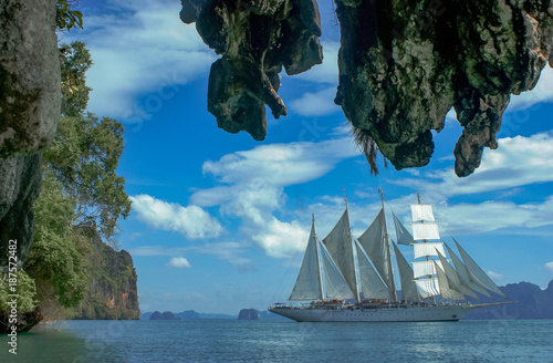 Foto op Aluminium Schip windjammer tradition ship perspective. nice weather with green nature and blue water.