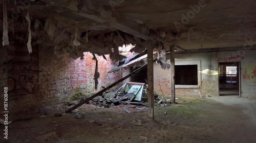 Deurstickers Oude verlaten gebouwen Lost Place