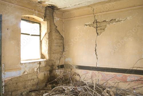 Deurstickers Oude verlaten gebouwen Abandoned building - Old Ruin, Factory, Window, Built Structure, Wall - Building Feature