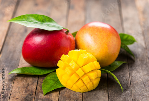 Foto Murales Fresh mango fruit