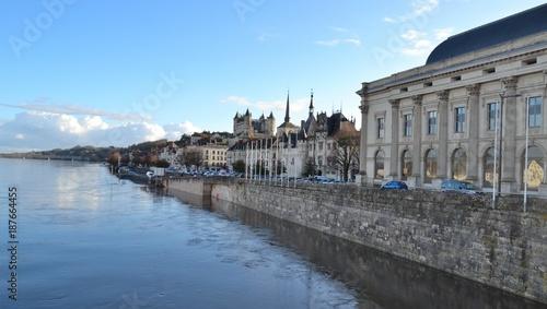 Fotobehang Nice Loire, château et théâtre de Saumur