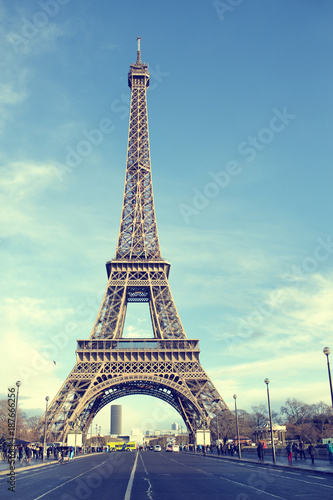 Keuken foto achterwand Eiffeltoren Eiffel tower of Paris in sunny day.