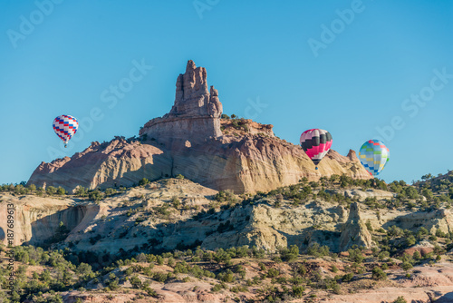 Fotobehang Zalm Balloons Around Church Rock