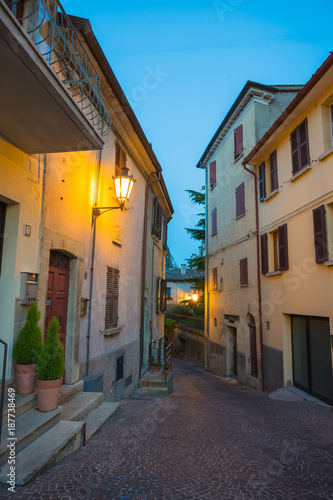 Poster Smal steegje Evening streets of San Marino