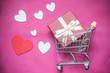 Quadro concept chariot de supermarché et st Valentin