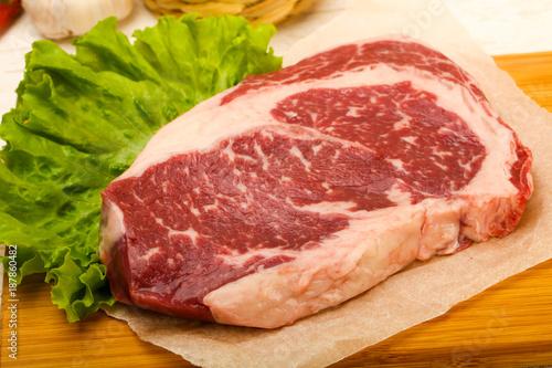 Papiers peints Steakhouse Rib eye raw steak